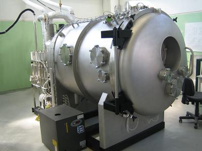 Thermal high vacuum chamber for optical components test used in aerospace